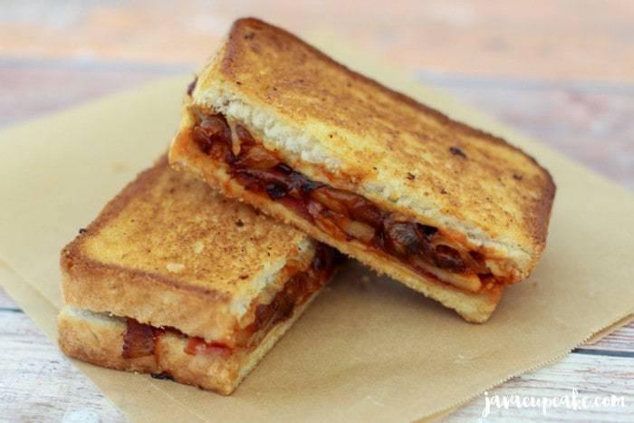 Emmentaler Grilled Cheese Sandwich | JavaCupcake.com