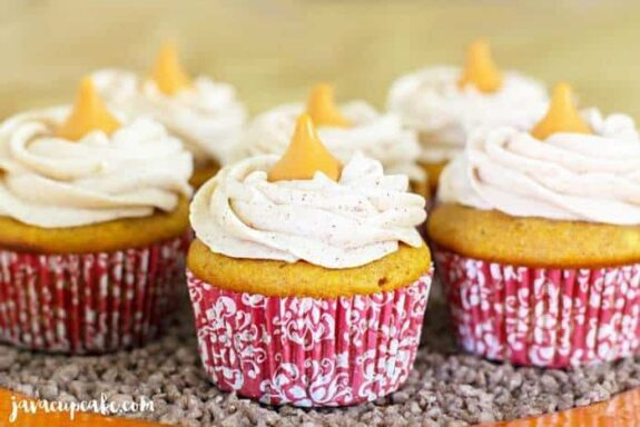 Pumpkin Spice Cupcakes | JavaCupcake.com