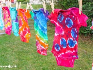Tie Dye Tuesday: Learn how to Tie Dye! | JavaCupcake.com
