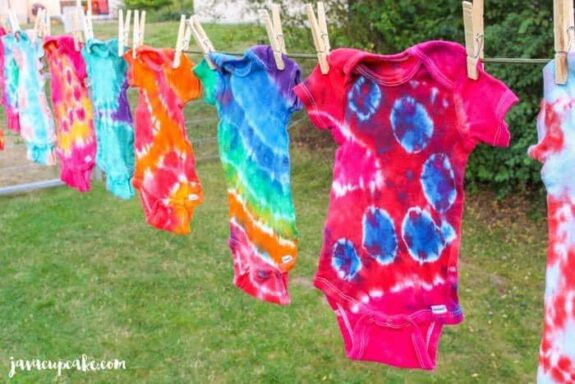 Tie Dye Tuesday: Learn how to Tie Dye!   JavaCupcake.com