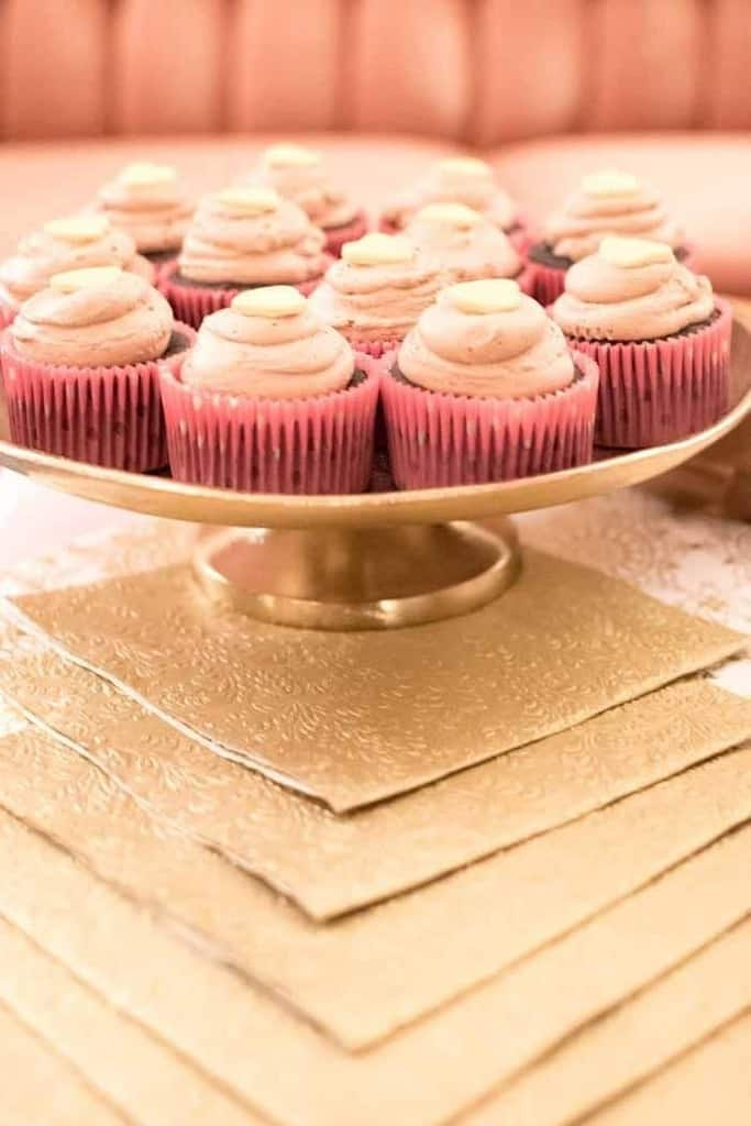 Pink and Gold Soiree   Photos by Bear Moose & Fox Photography featured on The JavaCucpake Blog