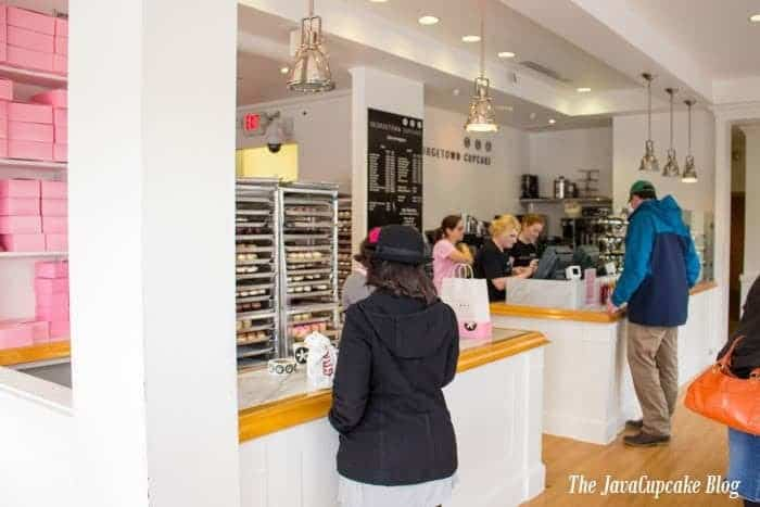 Take a tour of Georgetown Cupcake with The JavaCupcake Blog | http://javacupcake.com