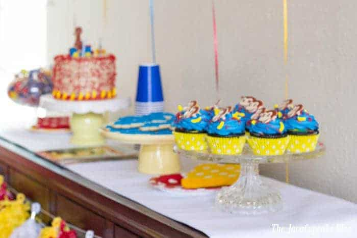 Curious George Party - Decorations, desserts, and more! | The JavaCupcake Blog http://javacupcake.com