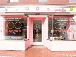 {Review} Sprinkles Cupcakes in Georgetown, Washington, DC | The JavaCupcake Blog https://javacupcake.com