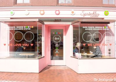 {Review} Sprinkles Cupcakes in Georgetown, Washington, DC | The JavaCupcake Blog http://javacupcake.com