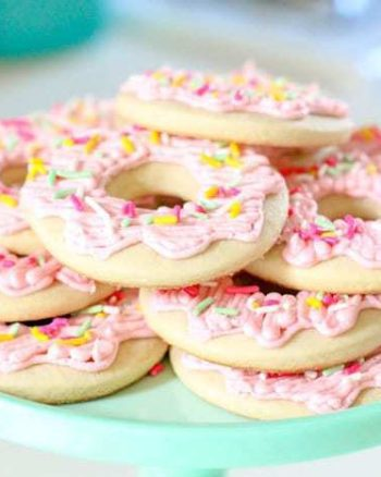 Donut Sugar Cookies - your favorite soft sugar cookie frosted with buttercream to look like a donut! | The JavaCupcake Blog https://javacupcake.com
