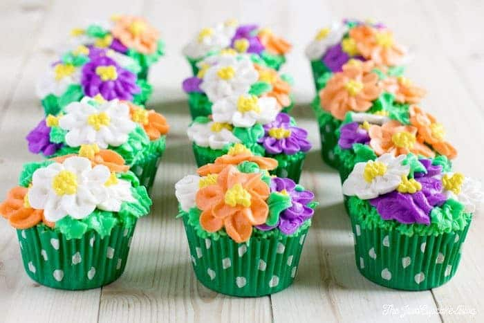 Flower Pot Cupcakes | The JavaCupcake Blog https://javacupcake.com