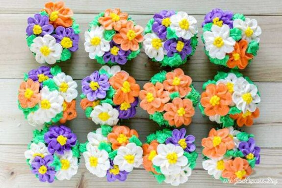 Flower Pot Cupcakes | The JavaCupcake Blog http://javacupcake.com
