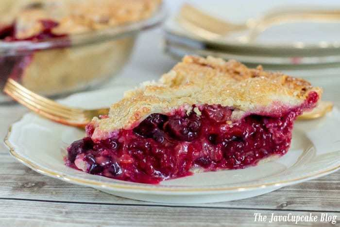 Four Berry Pie | The JavaCupcake Blog https://javacupcake.com