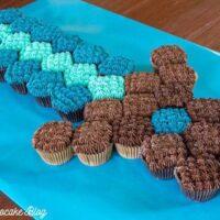 Minecraft Sword Pull-Apart Cupcake Cake