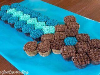 Minecraft Sword Pull Apart Cupcake Cake | JavaCupcake