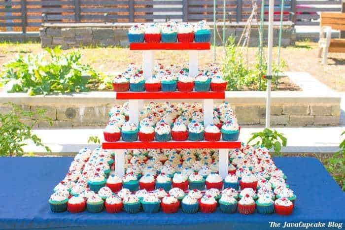Easy 4th of July Cupcakes