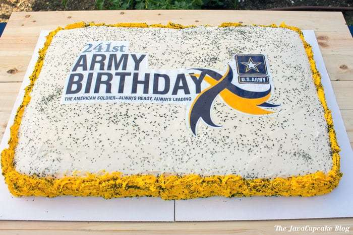 US Army Birthday Cake | The JavaCupcake Blog http://javacupcake.com