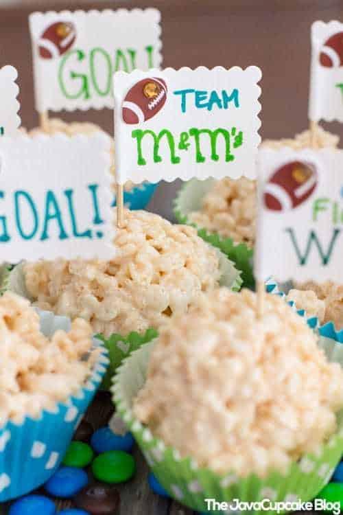 Football Party Tablescape & Decor Ideas | The JavaCupcake Blog https://javacupcake.com