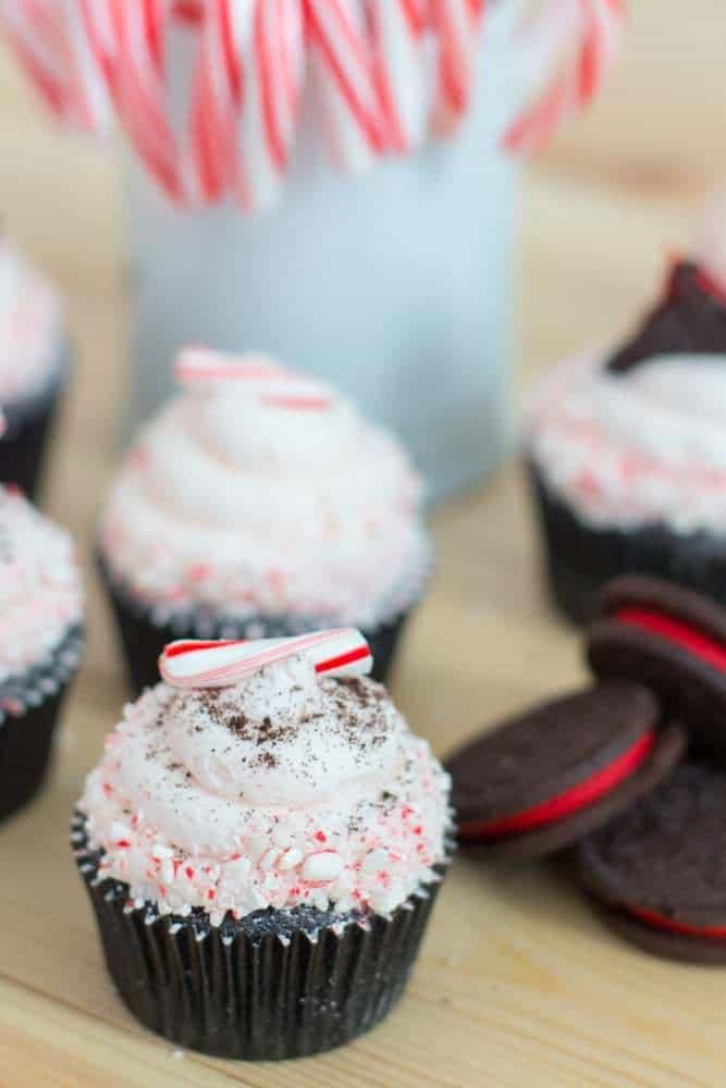 Candy Cane Oreo Cupcakes | The JavaCupcake Blog https://javacupcake.com