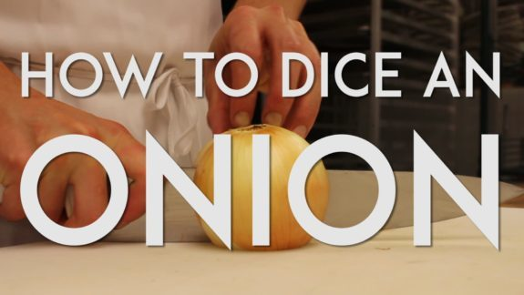 How to Dice an Onion (video tutorial) | The JavaCupcake Blog http://javacupcake.com