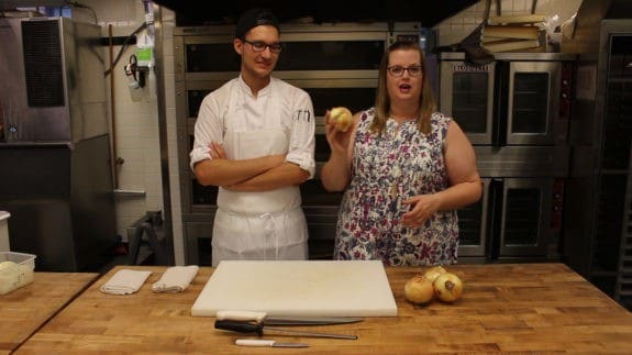 how-to-cut-an-onion-00_00_31_17-still006