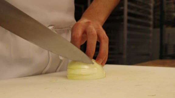 how-to-cut-an-onion-00_01_07_23-still003
