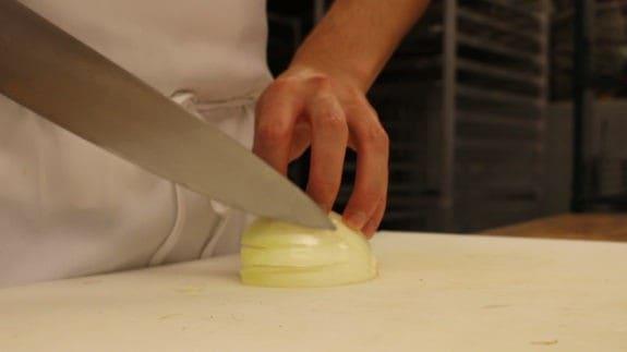 how-to-cut-an-onion-00_01_07_23-still003