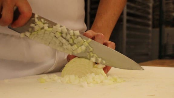 how-to-cut-an-onion-00_01_09_17-still004