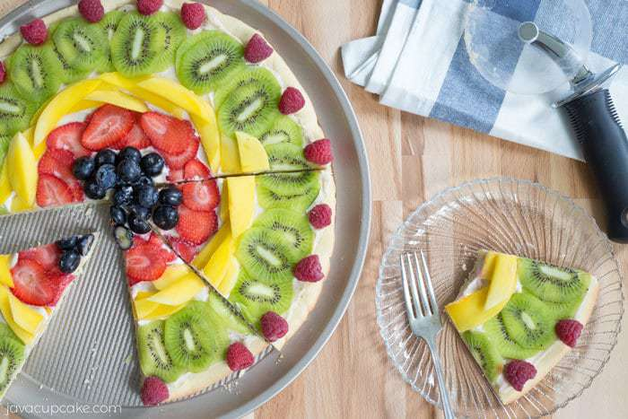 Fresh Fruit Dessert Pizza | JavaCupcake.com