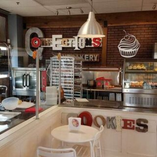 {Review} Confections Cupcakery – Manassas, VA