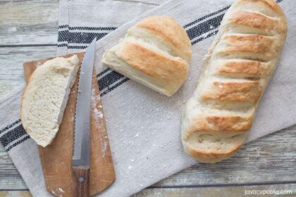 Simple Fresh Bread Recipe - Perfect for weeknight dinners! | The JavaCupcake Blog https://javacupcake.com