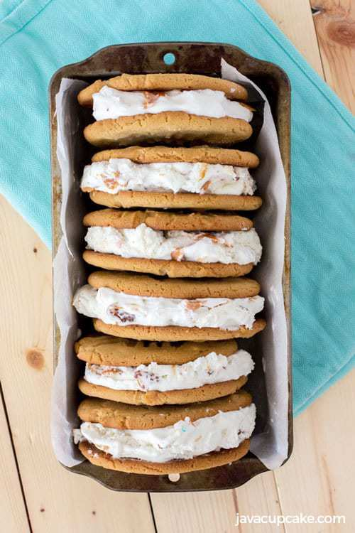 Peanut Butter Ice Cream Sandwiches | The JavaCupcake Blog http://javacupcake.com #SoHoppinGood #BlueBunny #BombPop