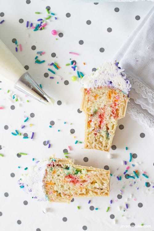 Ice Cream Cone Cupcakes #SummerDessertWeek | The JavaCupcake Blog http://javacupcake.com