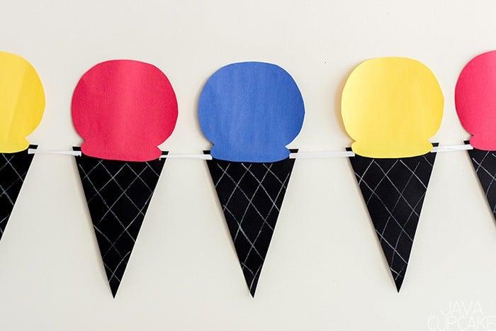 Back to School Ice Cream Social | The JavaCupcake Blog https://javacupcake.com #sponsored #BlueBunny #Walmart #SoHoppinGood