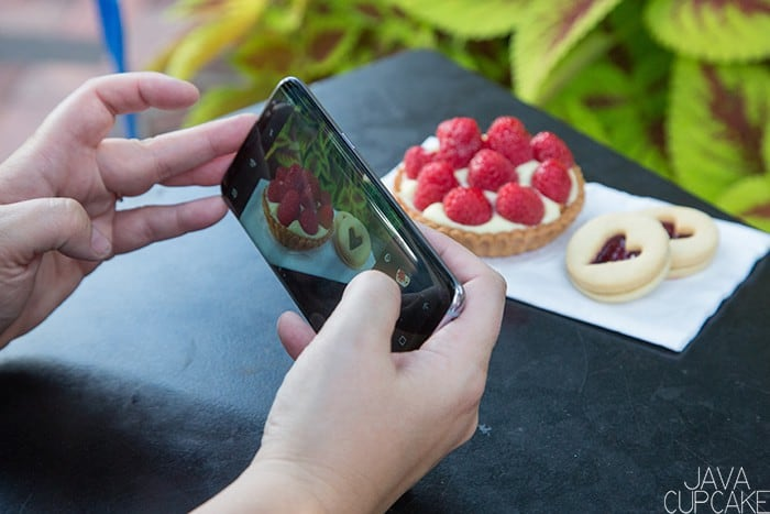 Smartphone Photography Workflow for Instagram | The JavaCupcake Blog https://javacupcake.com #SamsungUnlocked #CollectiveBias