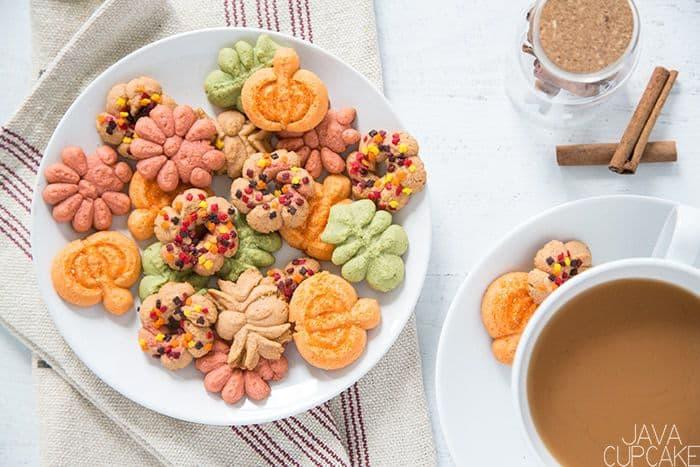 Cinnamon Spritz Cookies   The JavaCupcake Blog https://javacupcake.com #oxo #OXOgoodcookies #fallbaking #cinnamon #spritz #cinnamonspritz