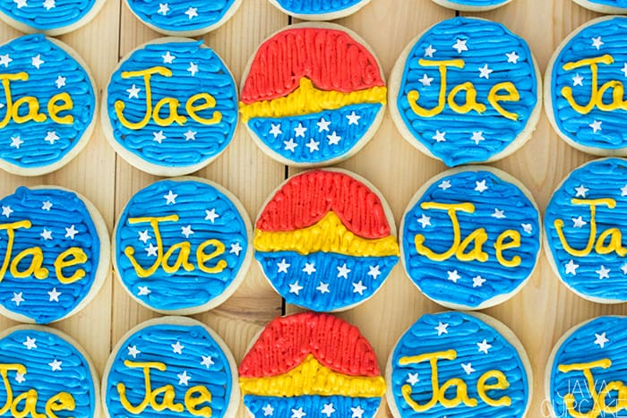 Wonder Woman Cookies - Soft sugar cookies topped with buttercream decorated as my favorite super hero, Wonder Woman! | The JavaCupcake Blog https://javacupcake.com