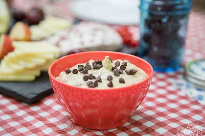 Brown Sugar Cinnamon Cream Cheese Fruit Dip