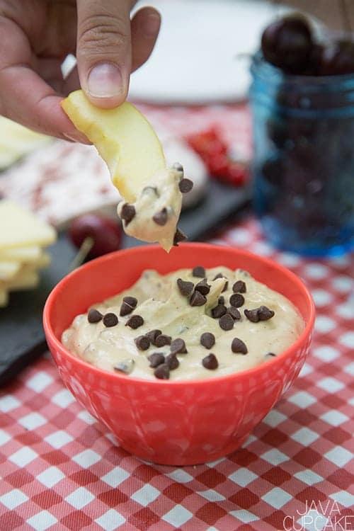 Brown Sugar Cinnamon Cream Cheese Fruit Dip | The JavaCupcake Blog https://javacupcake.com