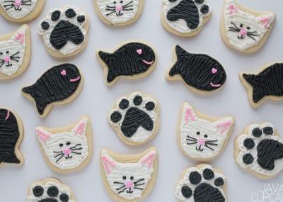 Valentine's Day Kitty & Fishy Sugar Cookies | The JavaCupcake Blog https://javacupcake.com