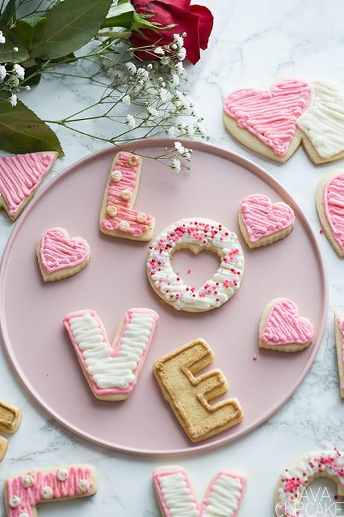 Valentine's Day Sugar Cookies | The JavaCupcake Blog https://javacupcake.com
