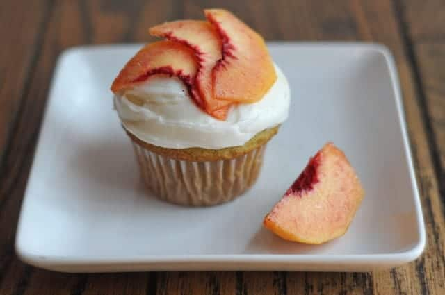Peachy Keen Cupcakes