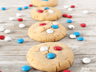Peanut Butter M&M Cookies | The JavaCupcake Blog https://javacupcake.com