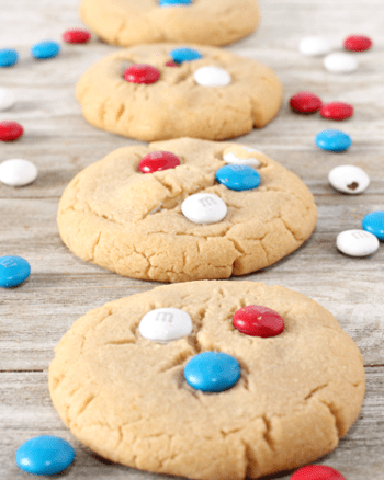 Peanut Butter M&M Cookies | The JavaCupcake Blog https://javacupcake.com