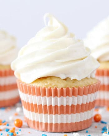 Pipeable Cream Cheese Frosting | The JavaCupcake Blog https://javacupcake.com