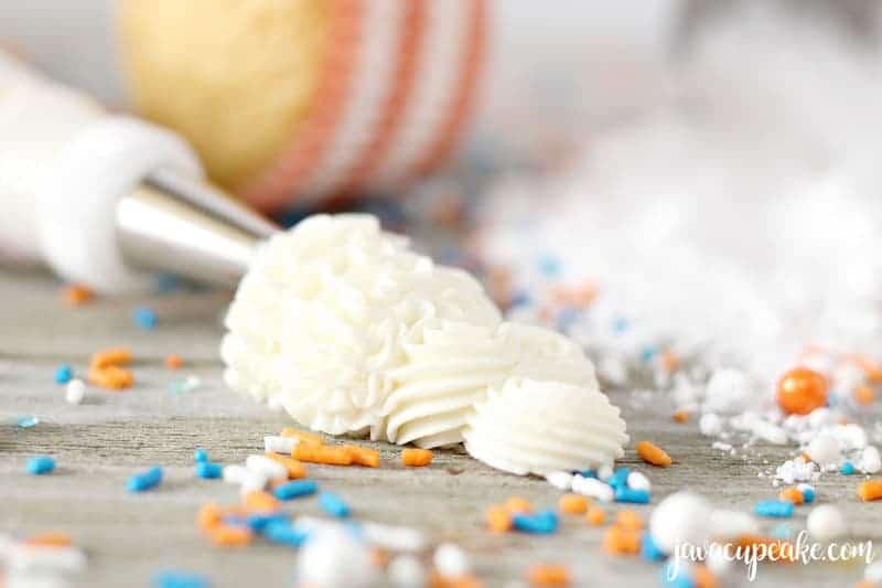 Pipeable Cream Cheese Frosting   The JavaCupcake Blog https://javacupcake.com